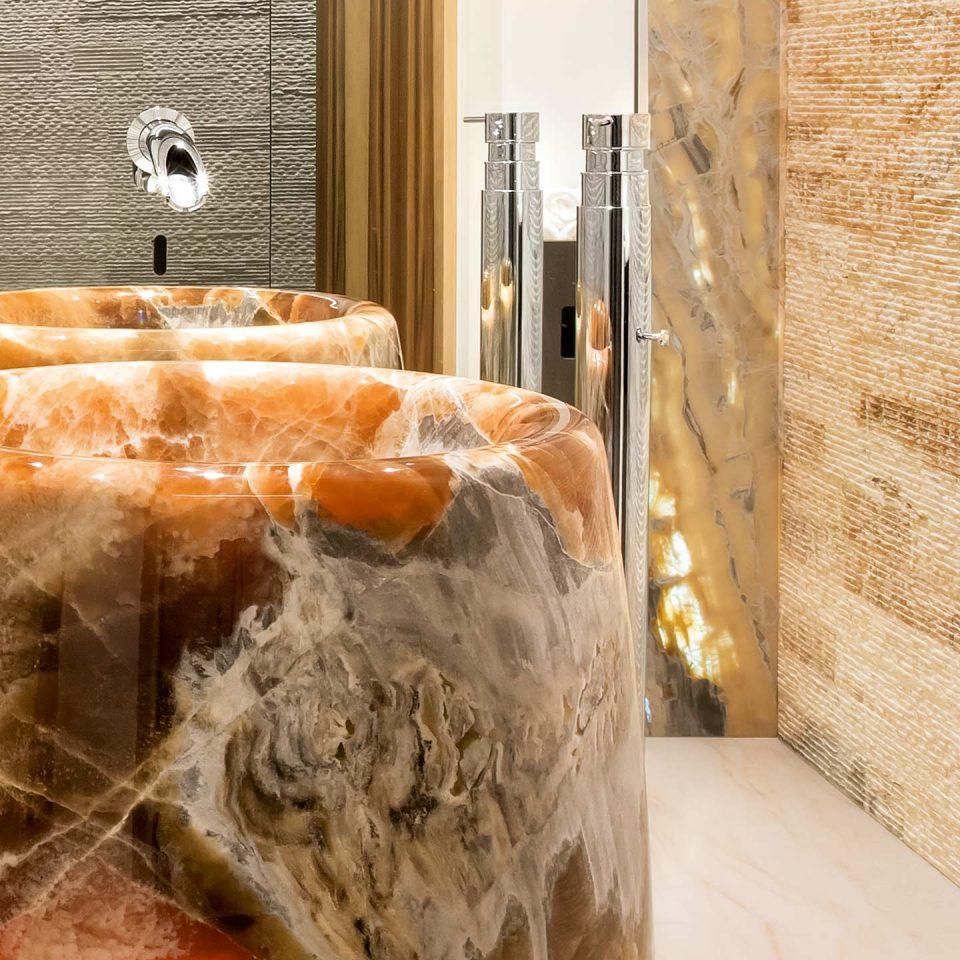 Badezimmer Naturstein Oberflächen