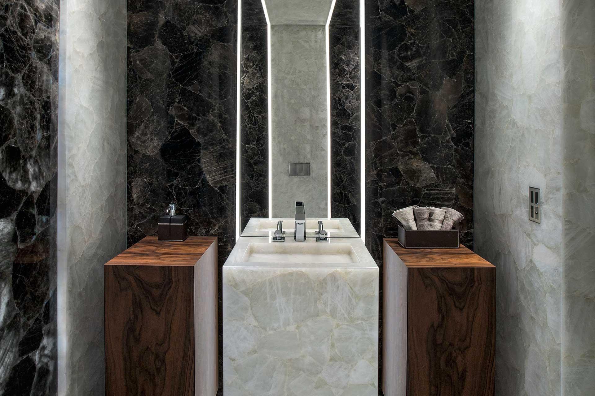 Waschbecken Naturstein Beleuchtung