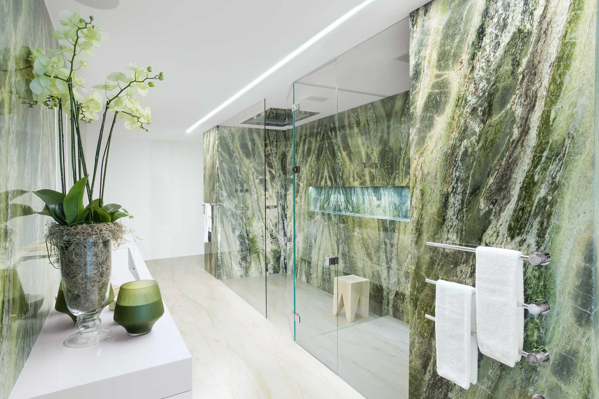 Naturstein Dusche Marmor grün