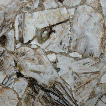 Rutilated Breche Agate Schmuckstein multicolor