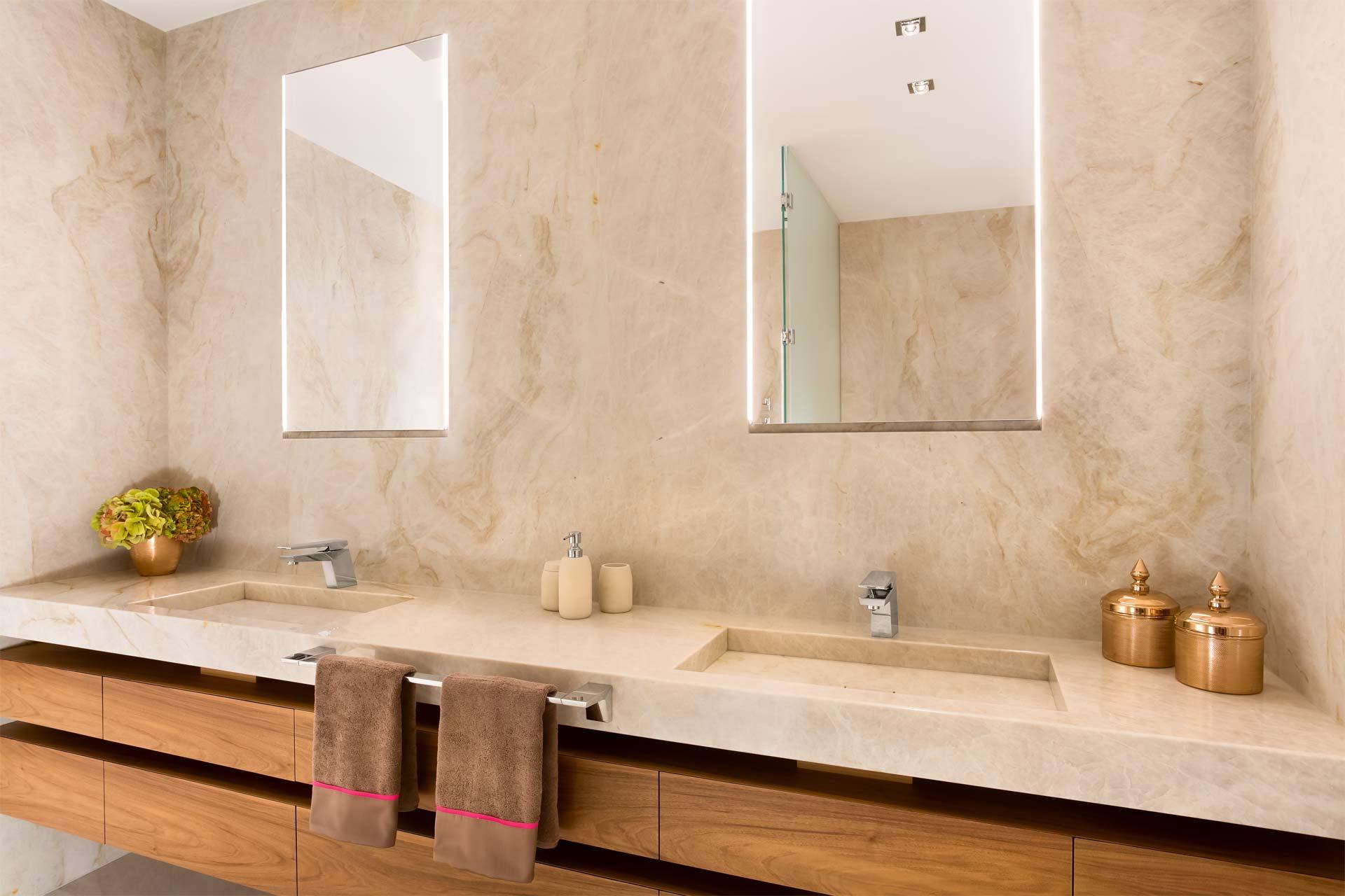 Naturstein Waschtisch Badezimmer