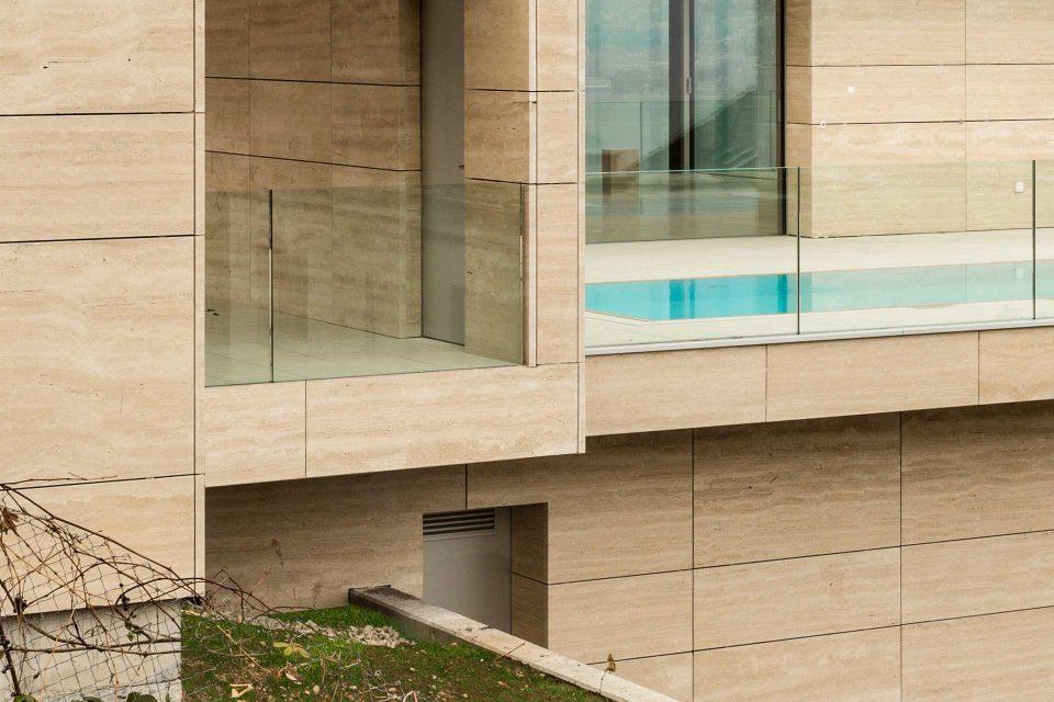 Luxuriöses Wohnobjekt aus Naturstein