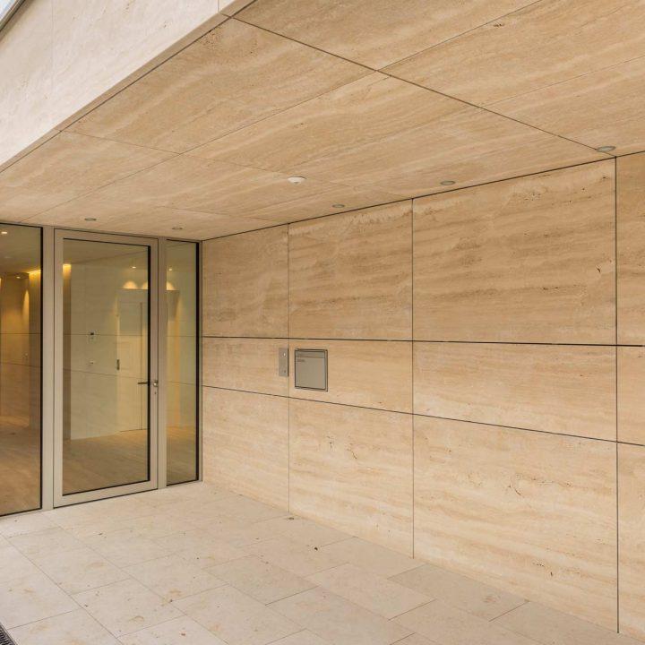 Naturstein Platten Außenwand