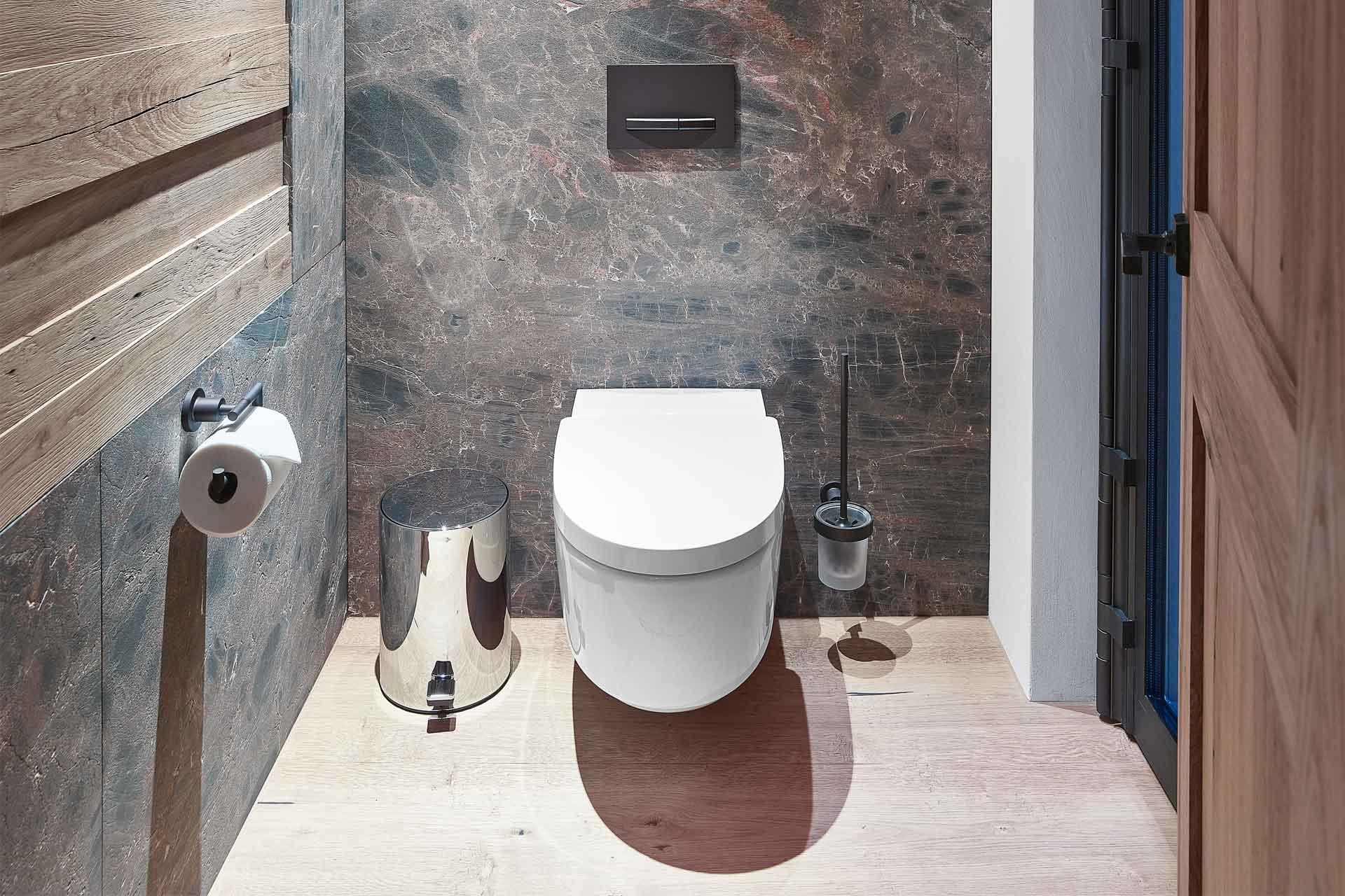 Naturstein Toilette